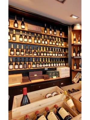 la cave colbert reims cave de vins fins et aoc grands crus de champagnes. Black Bedroom Furniture Sets. Home Design Ideas