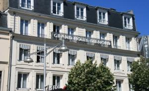 Vitrine de Grand Hôtel du Nord