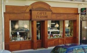 Vitrine de Cafés Person