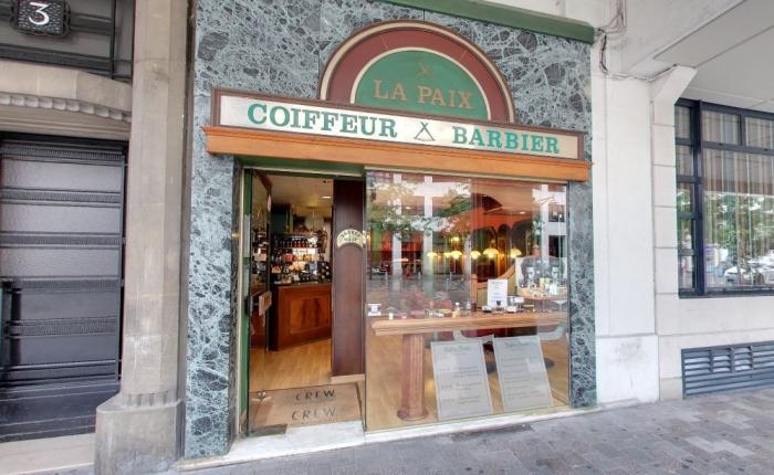 Vitrine de Coiffeur Barbier La Paix