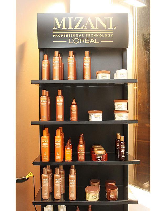 Salon de coiffure africain tresse bellata reims for Salon de coiffure mizani